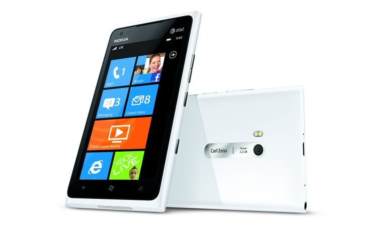700-nokia-lumia-900-for-att-white-combo